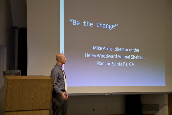 Michael Kloth giving a lecture on Shelter Cats and responsible animal stewardship at Washington State University
